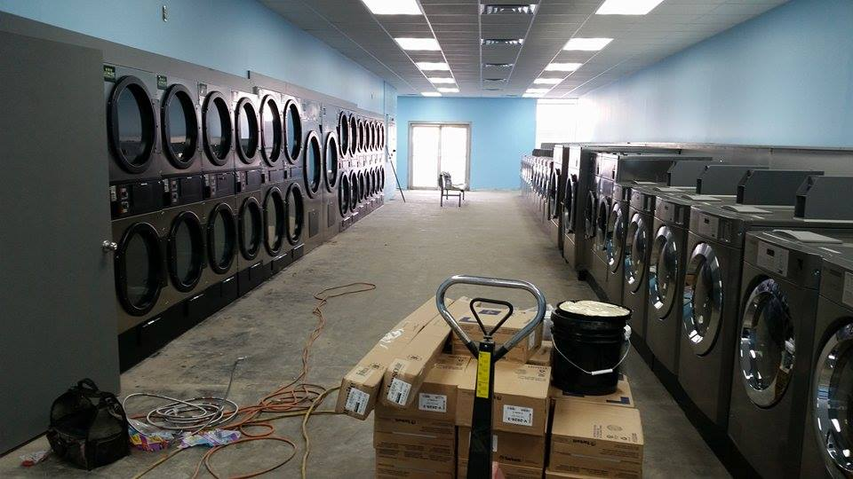 Coin Washer And Dryer >> laundromat-layout-and-design - SaveMore Commercial Laundry